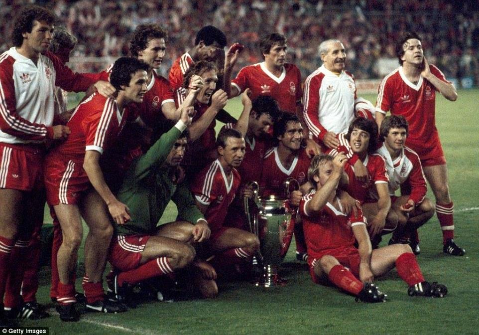 Nottingham Forest campeão europeu.