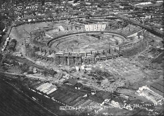 Construção do Maracanã em 1949