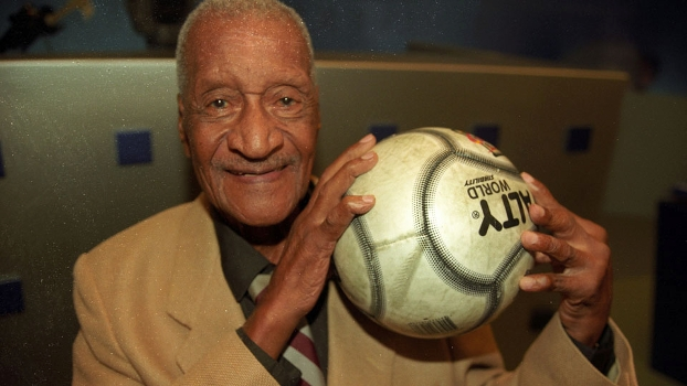 Barbosa sofreu com a estigma de 1950 até o fim da vida.