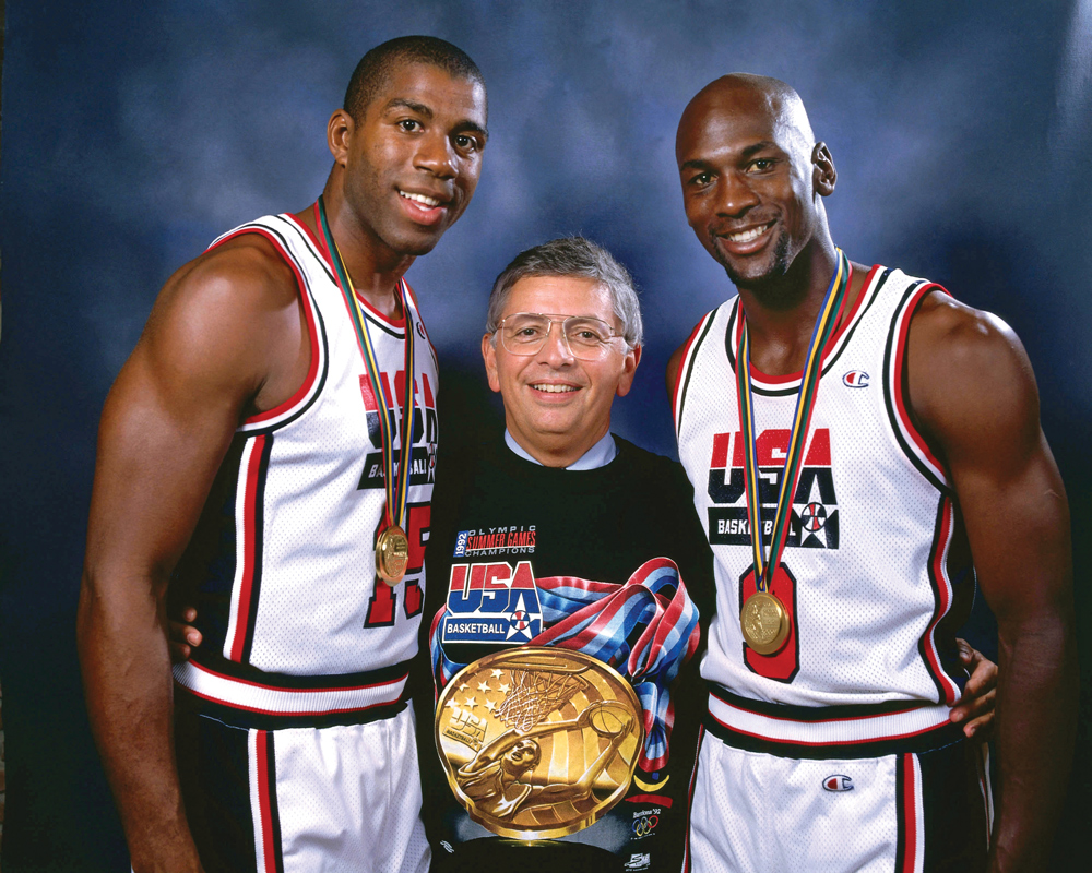 Stern junto a Jordan e Magic.